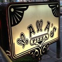 Foto tomada en Mama's Pizza por Mama's Pizza el 7/17/2013