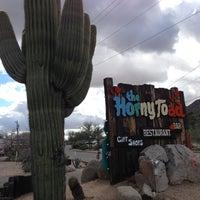 2/9/2013 tarihinde Win K.ziyaretçi tarafından Horny Toad'de çekilen fotoğraf