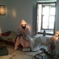7/13/2013 tarihinde gamzeziyaretçi tarafından Sultan II. Beyazıt Külliyesi Sağlık Müzesi'de çekilen fotoğraf