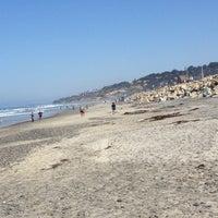 Foto tomada en Torrey Pines State Beach por Laura M. el 4/20/2013