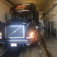 Photo taken at ashley truck wash by Chad The Trucker 🚚🚚 B. on 8/12/2015