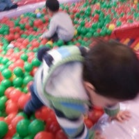 Photo taken at 딸기가 좋아 - 딸기 스페이스 by Insik C. on 1/18/2014