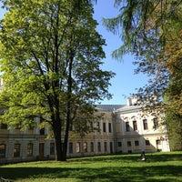 Снимок сделан в Сад Фонтанного дома пользователем Sergei E. 5/16/2013