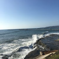 Foto tirada no(a) Cliffs At Ocean Beach por Amy M. em 5/23/2018