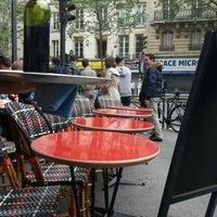 Foto tomada en Café Le Quartier Général por Gianc S. el 6/5/2016