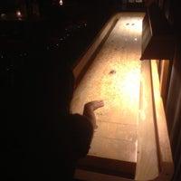 9/6/2013 tarihinde Andy S.ziyaretçi tarafından Weegee's Lounge'de çekilen fotoğraf