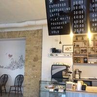 Снимок сделан в First Point Espresso Bar пользователем Юлия П. 8/26/2015