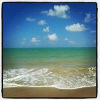 Foto tirada no(a) Praia de Tabuba por Shade A. em 2/14/2013