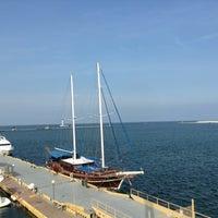 รูปภาพถ่ายที่ Di Mare โดย Oleg B. เมื่อ 5/15/2013