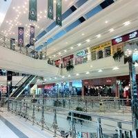 รูปภาพถ่ายที่ Al Rashid Mall โดย Salem A. เมื่อ 3/13/2013