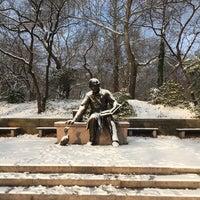 12/14/2017 tarihinde annlouziyaretçi tarafından Hans Christian Andersen Statue'de çekilen fotoğraf