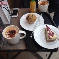 Photo taken at Starbucks by Анастасия Р. on 5/7/2014