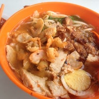 Photo taken at Prawn Mee @ Jalan Ipoh Batu 5 by David C. on 4/28/2013
