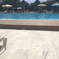 Das Foto wurde bei Pelikan Otel von Özgül K. am 8/7/2018 aufgenommen