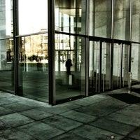 Снимок сделан в Pinakothek der Moderne пользователем Raimund V. 11/17/2012