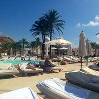 Foto tomada en Destino Pacha Ibiza Resort por Нина В. el 9/6/2013