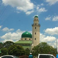Foto scattata a Masjid al-Hasanah مسجد الحسنة da Hafiz W. il 4/12/2013