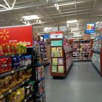 Das Foto wurde bei Walmart Supercenter von Zachary R. am 3/19/2013 aufgenommen