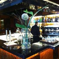 Das Foto wurde bei Café Bar Bloom von limon am 4/2/2013 aufgenommen