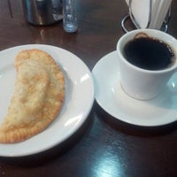 Photo taken at Caffetteria Tres by Guilherme K. on 11/17/2015
