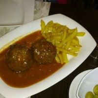 Foto tomada en Restaurante Los Manueles por Juan Carlos M. el 4/14/2013