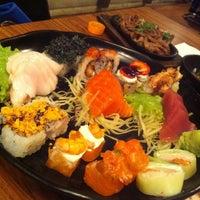 Foto tirada no(a) Kawa Sushi | 川 por Andressa C. em 3/26/2013