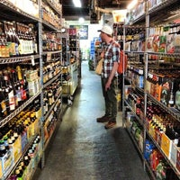 Photo prise au New Beer Distributors par Gerald S. le5/16/2013