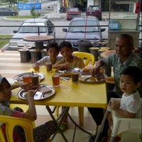 Photo taken at Restoran Mirasaa by Rozlina H. on 5/1/2013