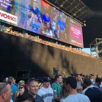 Foto tirada no(a) The 'Pen at Safeco Field por Chris K. em 7/25/2018