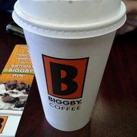 รูปภาพถ่ายที่ Biggby Coffee โดย Bradley P. เมื่อ 3/20/2013