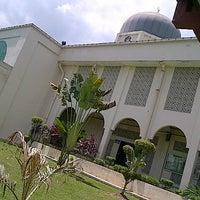 Foto scattata a Masjid al-Hasanah مسجد الحسنة da Muhammad S. il 2/23/2013