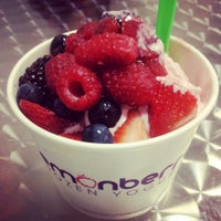 Photo taken at Lemonberry Frozen Yogurt by OfTheGirl .. on 6/7/2013
