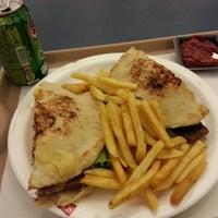 Foto tirada no(a) Super Grill Express por Patrick em 12/6/2012