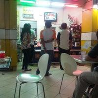 Photo taken at Sri Teja Food Court (Medan Selera) by Mohd H. on 3/20/2013