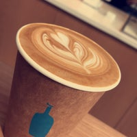Photo taken at Blue Bottle Coffee by MT on 5/1/2018