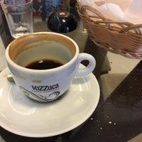 Photo taken at Vozzuca Cafés Especiais by Lorena C. on 1/18/2017