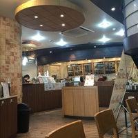 2/19/2015에 Nini K.님이 TOM N TOMS COFFEE에서 찍은 사진