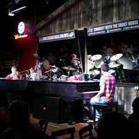 Photo taken at Shout House Dueling Pianos by Amanda N. on 6/14/2013