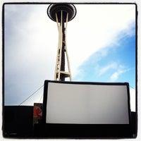 8/11/2013にAshley H.がSeattle Center - Movies at the Muralで撮った写真