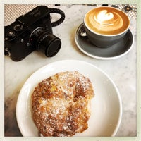 5/18/2018 tarihinde Lucziyaretçi tarafından Variety Coffee Roasters'de çekilen fotoğraf