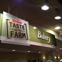 Photo taken at Bob Evans Restaurant by Dave H. on 4/15/2013