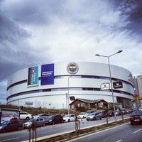Foto tirada no(a) Ülker Spor ve Etkinlik Salonu por Murat P. em 10/28/2012