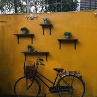 Photo taken at Eat Viet by Bennie14 on 11/20/2016