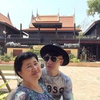 Photo taken at ชูชัยบุรีศรีอัมพวา by OOFY 大. on 8/23/2016