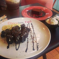 Photo taken at chocolate love by OOFY 大. on 7/9/2013
