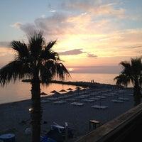 5/10/2013 tarihinde Berna K.ziyaretçi tarafından Sunset Restaurant'de çekilen fotoğraf