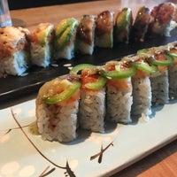 Foto scattata a Saku Sushi da Andra M. il 7/23/2018