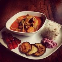 Das Foto wurde bei By Elvis Ocakbasi Restaurant von Gökhan Ö. am 10/11/2013 aufgenommen