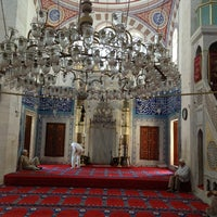 Photo taken at Nurbanu Valide-i Atik Sultan Camii by Ugur S. on 7/2/2013