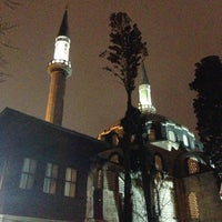 Photo taken at Nurbanu Valide-i Atik Sultan Camii by Ugur S. on 3/21/2013